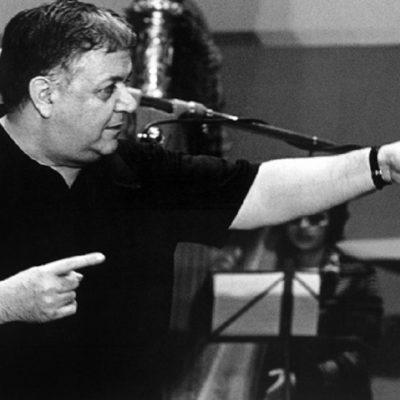 Ο Μάνος Χατζιδάκις, ο κορυφαίος Έλληνας μουσικοσυνθέτης, ο άνθρωπος του πολιτισμού.