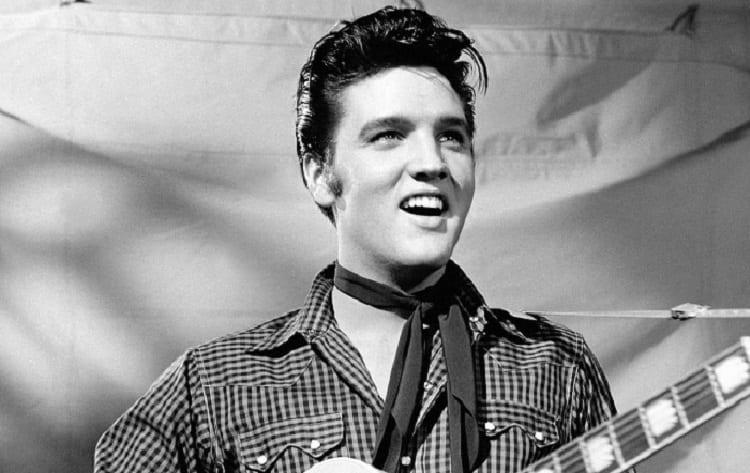 O Elvis Presley