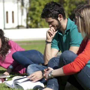 Η εξεταστική των φοιτητών.