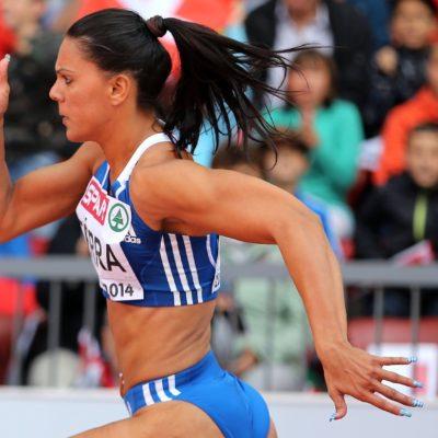 Η Ανδριάνα Φέρρα, αθλήτρια στίβου, πρωταθλήτρια στα 200 μέτρα.