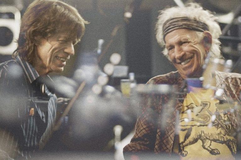 """Οι Rolling Stones ανακοίνωσαν την επιστροφή τους με το άλμπουμ, """"Blue Lonesome""""."""