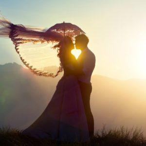 Έρωτας: Το όνειρο που θέλουν πολλοί να ζήσουν μα λίγοι το τολμούν.