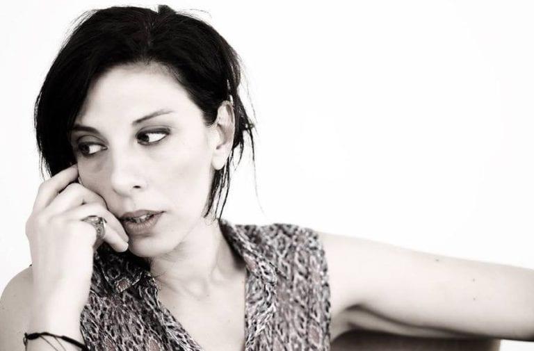 Συνέντευξη με την ηθοποιό και σκηνοθέτρια Μαίρη Μαραγκουδάκη.