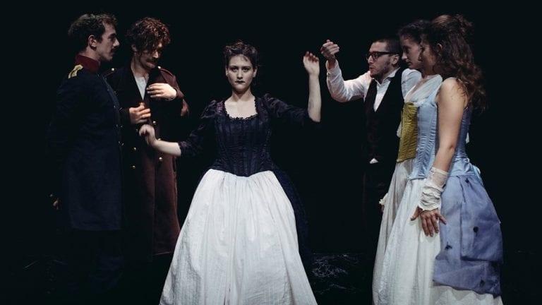 Είδαμε την παράσταση «Ένας Ήρωας του Καιρού μας» του Μιχαήλ Λέρμοντoφ στο Θέατρο 104.