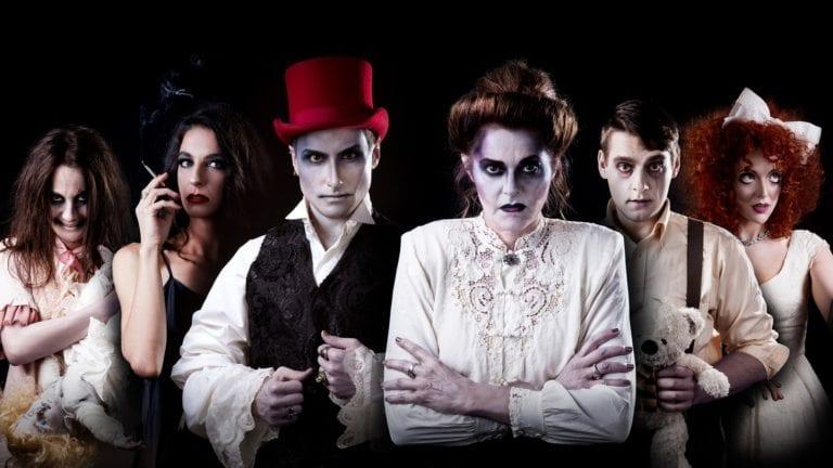 """Είδαμε την παράσταση """"Μάνα"""" στο θέατρο """"Faust""""."""