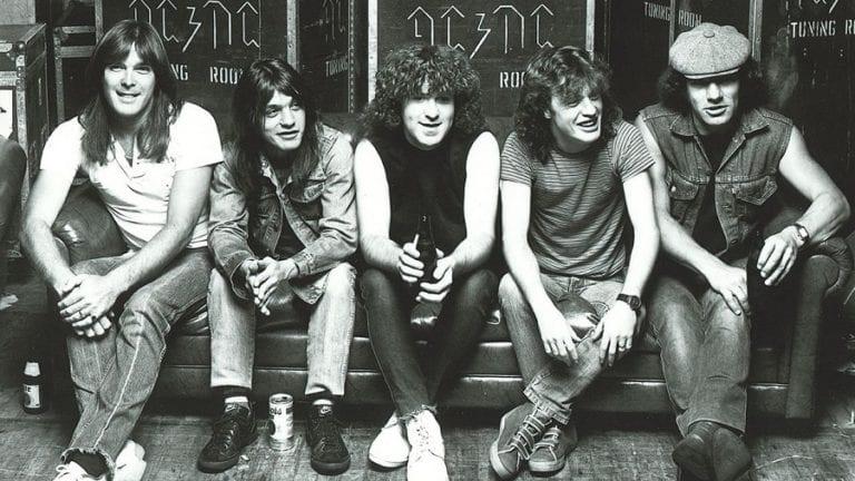 AC/DC οι Αυστραλοί μύθοι της rock μουσικής.