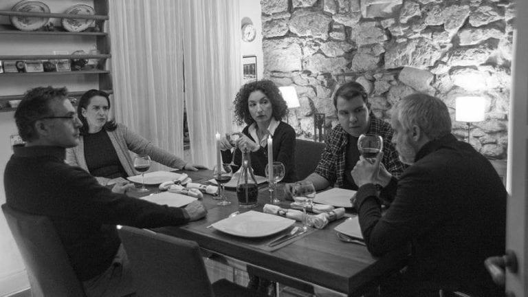 """""""Κατόπιν Εορτής"""" του  Jordan Tannahill σε σκηνοθεσία Χρίστου Λύγκα στο Vault."""