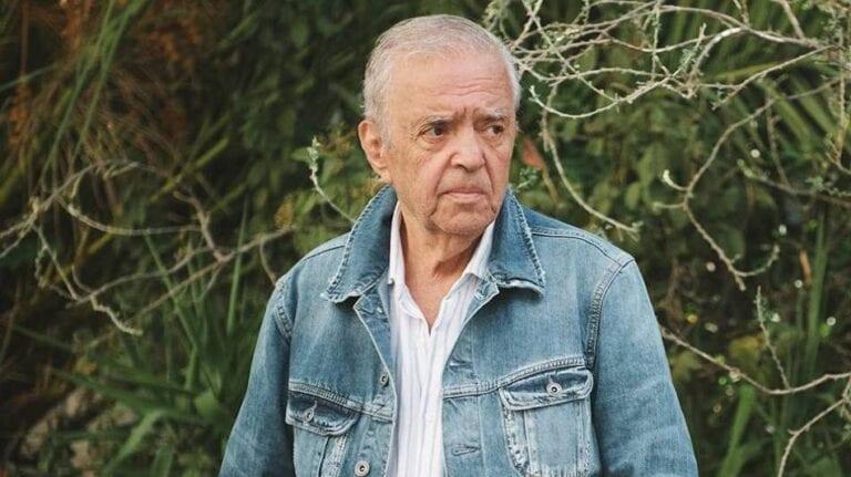 Σταύρος Τσιώλης: Ο cult σκηνοθέτης του ελληνικού κινηματογράφου.
