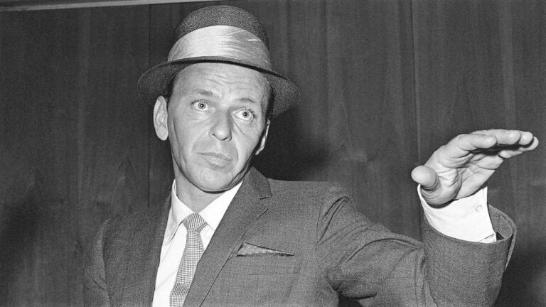 Frank Sinatra, ο πιο σημαντικός μουσικός καλλιτέχνης όλων των εποχών.